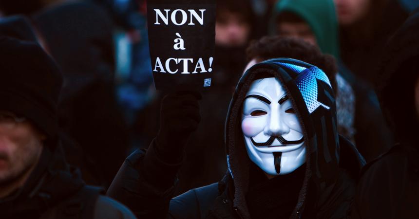 Im Internet ist jeder anonym(ous)