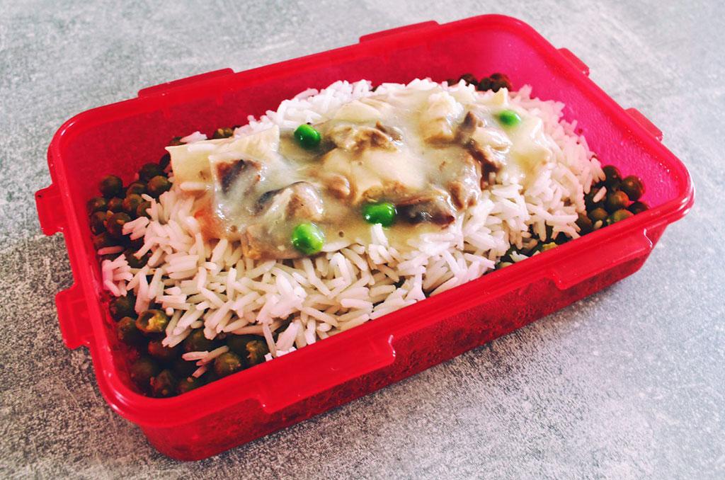 Hühnerfrikassee und Reis